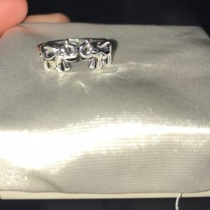 Jewelry - Sterling silver elephant ring
